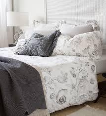 Schlafzimmer Einrichten Graues Bett Schlafzimmer Einrichten Mit Zara Home Freshouse