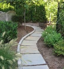 Backyard Walkway Ideas by Best 25 Cobblestone Walkway Ideas On Pinterest Stone Water