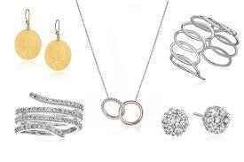 s day jewelry 10 jewelry gift ideas for s day celebuzz