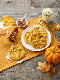 pumpkin foods pumpkin spice flavored foods 2017 your comprehensive guide people com