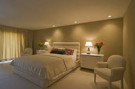 Modern Bedroom With Green Color Of Wall Interior Decor Also Has - Feng shui bedroom color