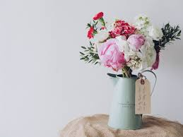 Bouquet Of Flowers In Vase How To Arrange Flowers According To Vase Shape Charlotte At Home