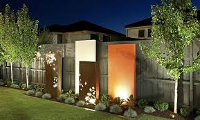 create a feature wall in your garden with a splash of colour