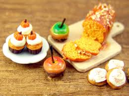 candy apples for halloween a miniature halloween preview carving pumpkins candy apples and
