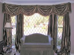 Bay Window Valance Catchy Bay Window Curtain Ideas Showing The Interior Beauty Easily