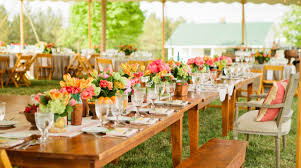 wedding caterers the benefits of a wedding catering service executive team