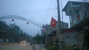 Vietnam Flag Meaning File Vietnamese Flag Being Flown From A Pole In Dong Van City Jpg