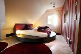 wohnideen in dachgeschoss uncategorized dachgeschoss schlafzimmer einrichten uncategorizeds