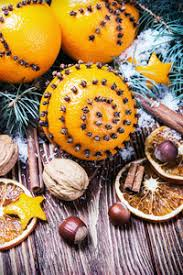 dried oranges and oranges with cloves christmas decorations