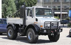 mercedes unimog truck arnold schwarzenegger parks his unimog in l a cars