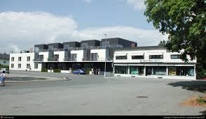 three story building viz by r e 3d cgsociety