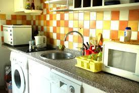 cuisine avec lave linge lave linge sous evier une cuisine quipe avec une