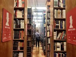 Bookshelves Nyc by Strand Books Nyc Roman Research Det år Vi Gik Til Begravelser