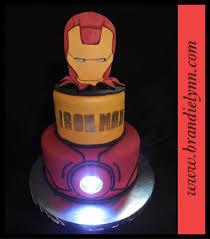 iron man cake with real arc light decoracion postres marvel