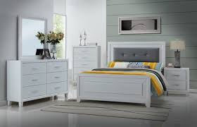 Tufted Bed Queen 5 Pc Malibu Collection