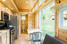 Tiny Homes Minnesota by Tiny House With Full Size Appliances Can Sleep 8 Curbed