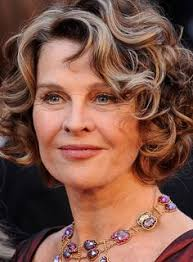 short curly hairstyles for women over 60 single women can also