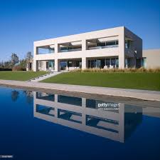 Modern House California Modern House In California Reflected In Water Stock Photo Getty
