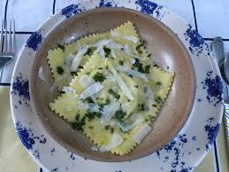 cuisiner les ravioles ravioles aux petits pois à la menthe et à la ricotta basboussa