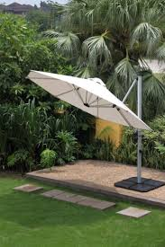 Cantilever Umbrella Toronto by 11 Best Patio Umbrellas Images On Pinterest Patio Umbrellas