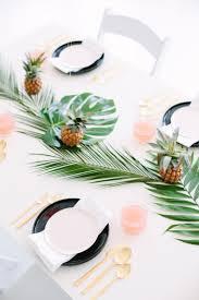 Bridal Shower Table Decorations by Best 25 Luau Wedding Receptions Ideas On Pinterest Luau Wedding