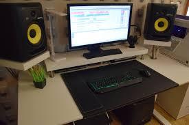 studio keyboard desk 334 minimalist bedroom studio desk guide pro music producers