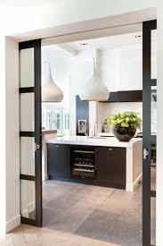 cloison cuisine salon la porte coulissante dans toute sa splendeur cloisons coulissantes