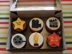 edible fondant movie themed cake topper por edibledesignsbyletty