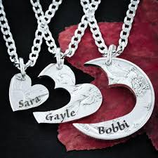 necklaces with names engraved 3 best friends heart necklaces custom names engraved friendships