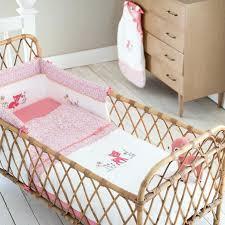 oignon chambre bébé le lit de bebe lit bebe fille a quel age descendre lit bebe