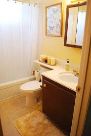 Yellow Bathroom Ideas Colors Best 25 Pale Yellow Bathrooms Ideas On Pinterest Pale Yellow