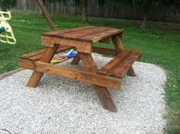 Plans For Building A Children S Picnic Table by Best 25 Pallet Picnic Tables Ideas On Pinterest Picnic Tables