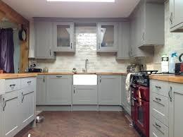 comment repeindre sa cuisine en bois repeindre sa cuisine en gris meuble cuisine couleur taupe idee