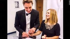 Dax Shepard Kristen Bell Releases First Photos From Her 142 Wedding To Dax
