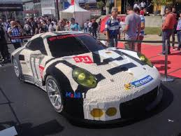 porsche life size half of this 911 rsr is made from 380 000 bricks flatsixes