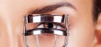 How To Use An Eyelash Curler How To Avoid Silly Eyeliner Mistakes Here U0027s The Solution