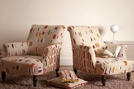 tissu pour fauteuil crapaud fauteuil bois et tissu ancien tapisserie ameublement et