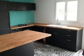cuisine avec plan de travail en bois aménagement de cuisine avec plans de travail en hêtre massif