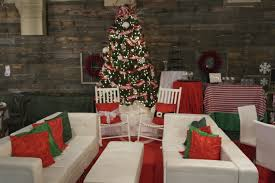 3 traditional christmas colors 3 ways party reflections