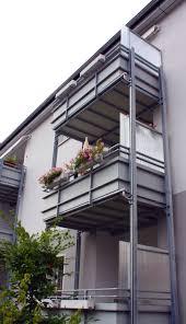 seitenschutz balkon sichtschutz für meinen balkon aus bambus stoff holz oder edelstahl