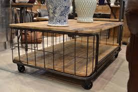 Table De Salon Industrielle by Table Basse De Salon Industrielle Avec Roulettes Mobilier Et