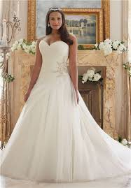 wedding dresses for 25 best asymmetrical wedding dresses ideas on empire