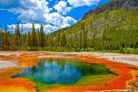 Wyoming natural attractions images Exploring the top attractions of yellowstone national park jpg