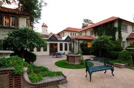 liv sir broker robert wagner closes maytag mansion the highest