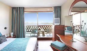 hotel avec dans la chambre pyrenees orientales hôtel l île de la lagune à cyprien pyrenees orientales foxoo