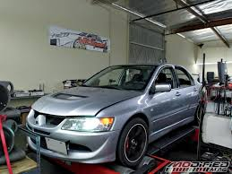 modified mitsubishi lancer 2000 2003 mitsubishi lancer evolution viii modified magazine