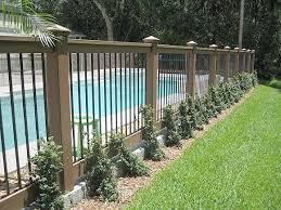 Backyard Fences Ideas by Best 25 White Vinyl Fence Ideas On Pinterest White Fence
