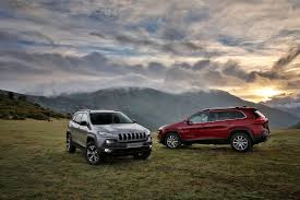 jeep cherokee fire jeep recalling 55 000 cherokees over fire hazard