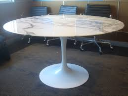 knoll saarinen white dining table with 54 inch round marble top at