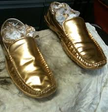 spray paint shoes how to do it right and what it looks like